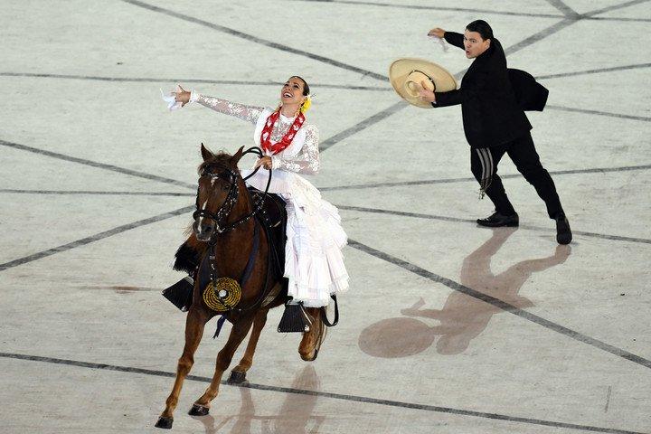 A caballo. Un instante de la ceremonia de apertura. Foto Maxi Failla