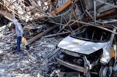 El descontento social se ha traducido en la destrucción de varios espacios públicosCrédito: Getty Images