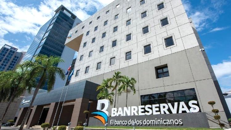 Un sistema financiero sólido es una de las claves del crecimiento económico dominicano (Facebook)