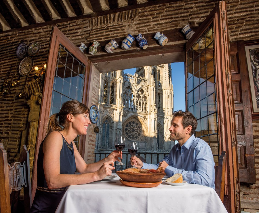 Para amantes de la arquitectura y la historia, Castilla y León entera es un descubrir de rincones plagados de hitos históricos.