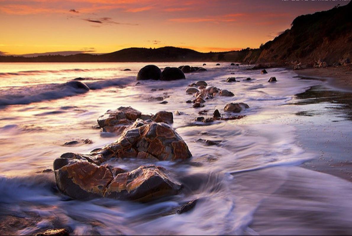 Nueva Zelanda - Moeraki Boulders, misteriosas rocas esféricas formadas hacen millones de años