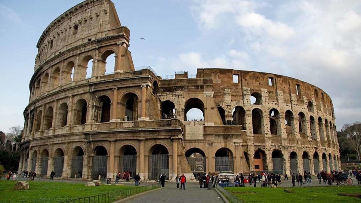 Coliseo de Roma, hay que derrumbarlo?