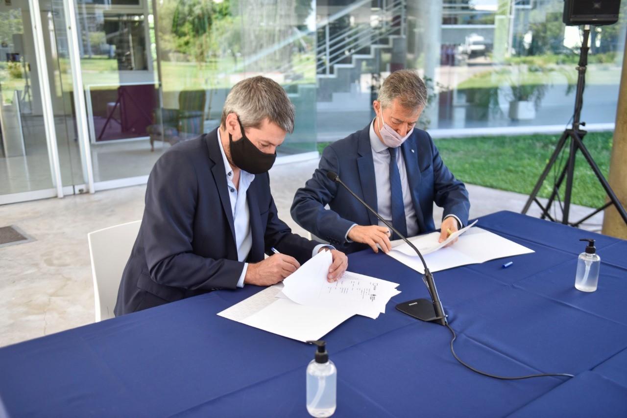 Firma de convenio sobre la temática del deporte con la Universidad Nacional de San Martín