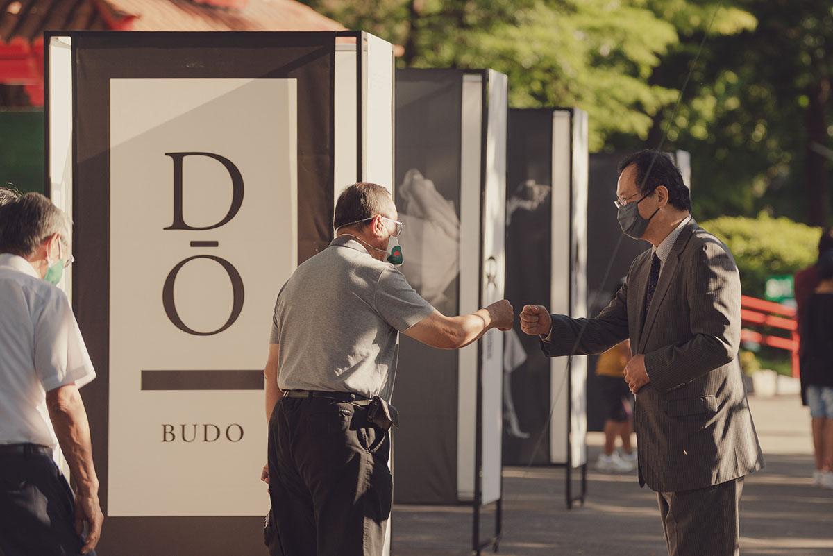 """El Embajador del Japón en Argentina Nakamae Takahiro estuvo presente en la apertura de la muestra """"DŌ: EN CAMINO A LA VIRTUD""""  - Foto Erika Hueara"""