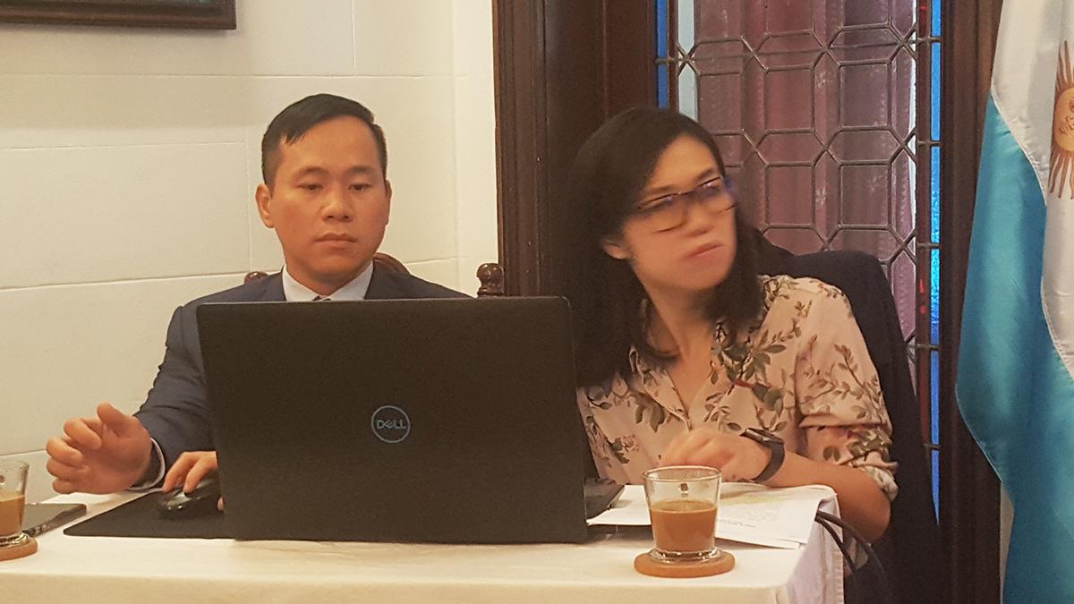 Sra. Hai Phan Thi Thanh, Tercer Secretaria  Encargada del área Política y Relación Bilateral.