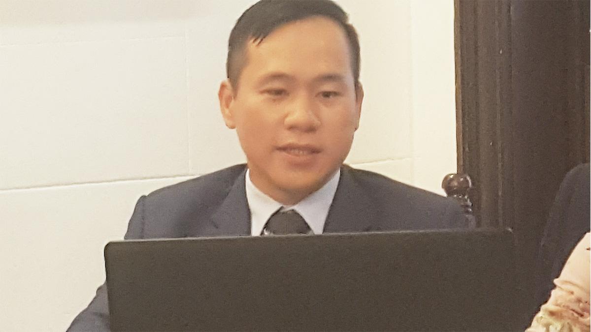 Sr. Hoang Dang Vu Cónsul y Encargado del área de Prensa y Cultura