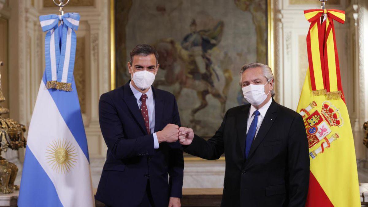 Pedro Sánchez,  con el presidente Alberto Fernández