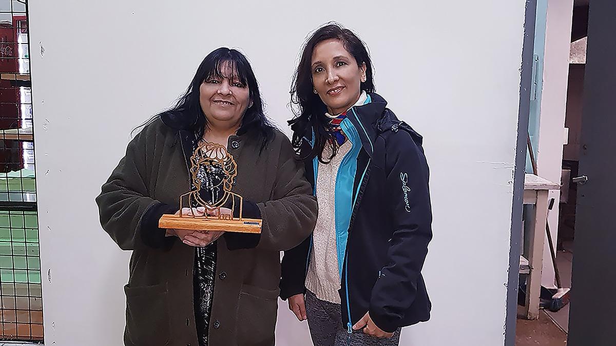 Homenaje a Diego Maradona y a la Asociación Cebollitas