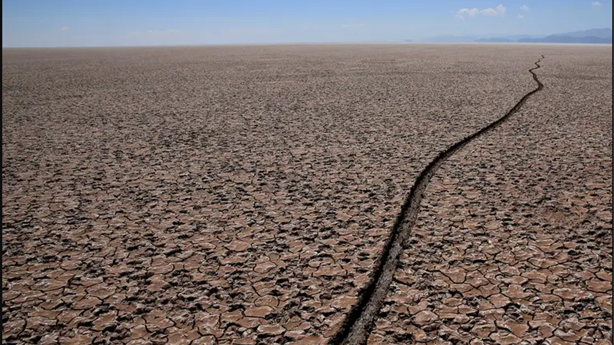 Otra dramática postal del lago Poopó en Bolivia. Foto: Reuters