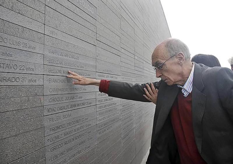 """""""La humanidad no puede olvidar estos crímenes"""" dijo Saramago"""