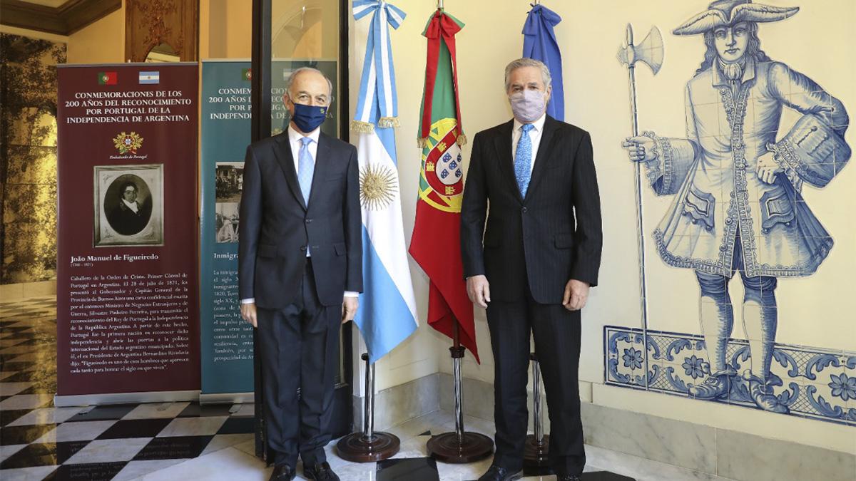 Felipe Solá con el embajador de Portugal
