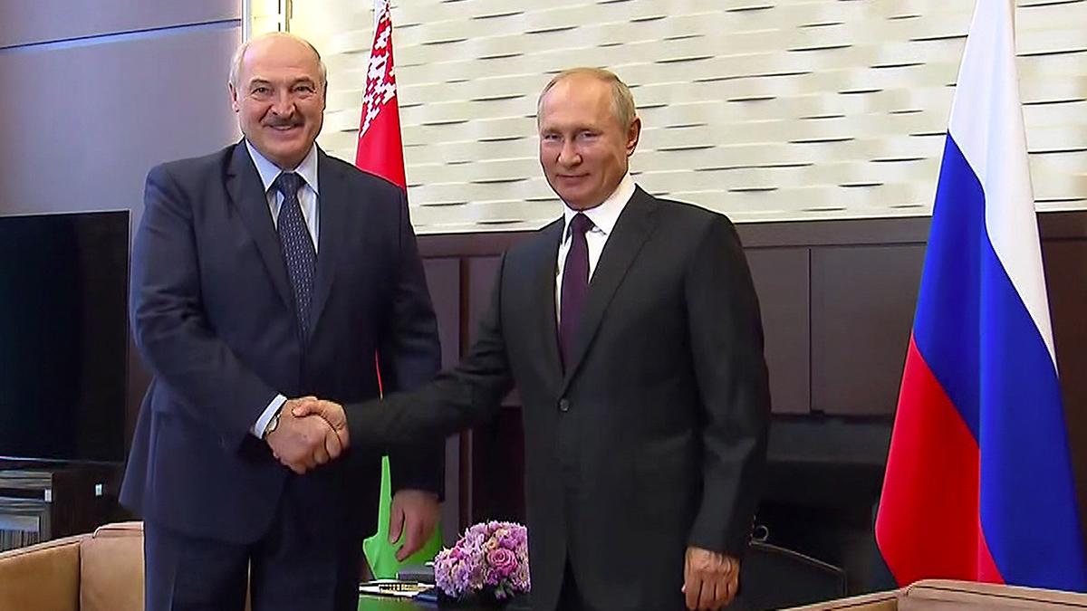 Vladímir Putin y Alexadr Lukanshenko han dado un primer paso hacia la integración entre Rusia y Bielorrusia.