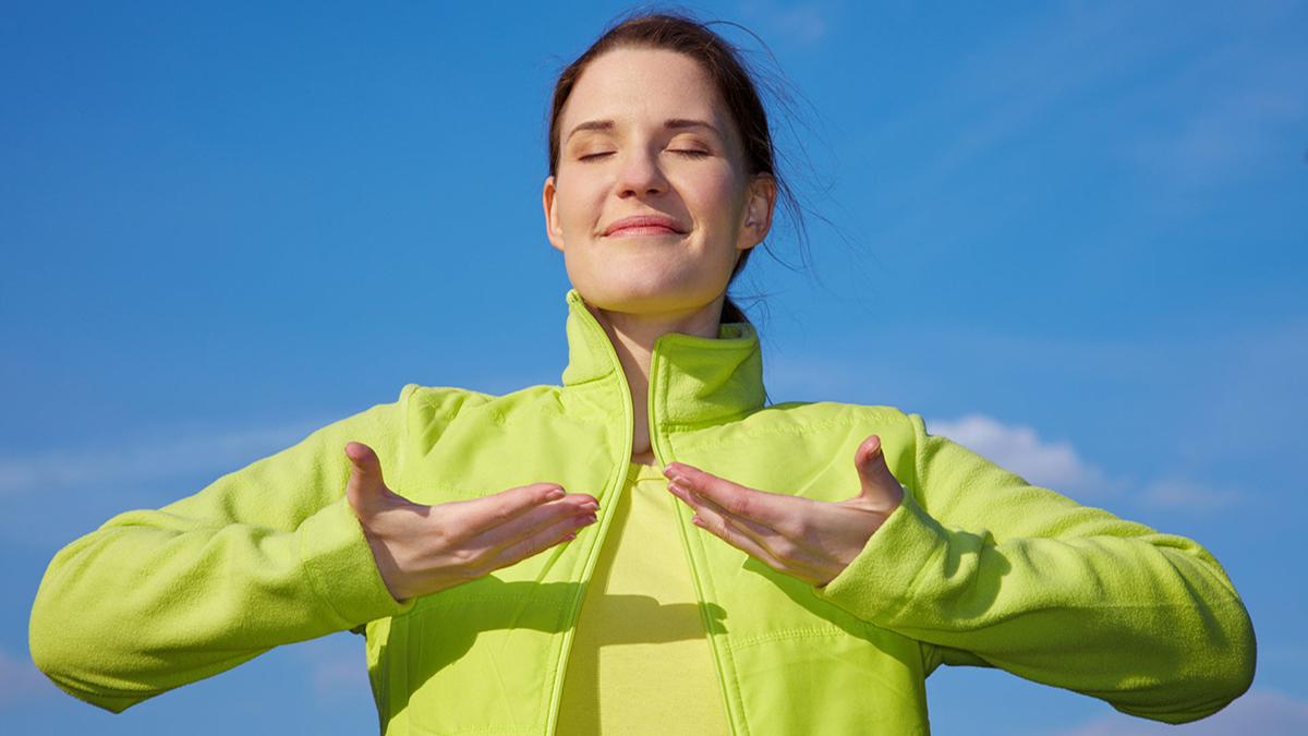 La salud mental es la posibilidad de lograr un estado de relativo bienestar emocional y corporal.